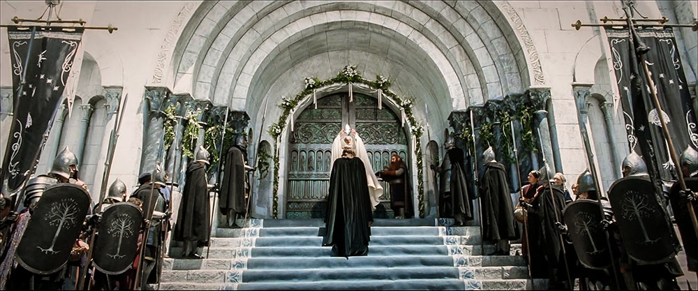 Aragorn ve Gandalf: İnsanın, hilafetini ilan etmesini; manevi otorite ve maddi iktidarın birleşimini temsil ediyor.