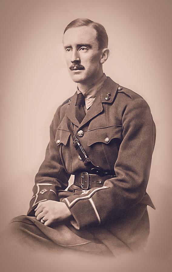 24 yaşında 1. Dünya Savaşı sırasında İngiliz Ordusu'nda görevli J.R.R. Tolkien / 1916