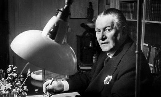 """Winston Churchill'in """"Hikâye Anlatıcısı"""" Dennis Wheatley"""