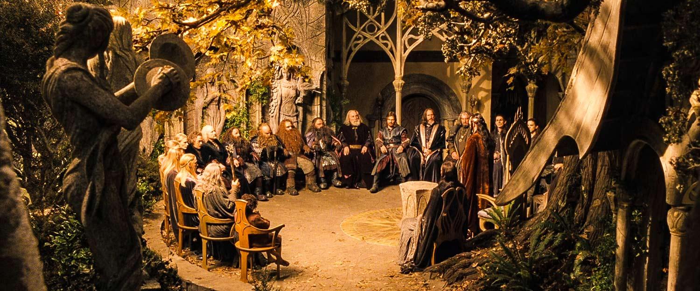 Orta-Dünya'nın bütün özgür milletlerinin katıldığı Elrond'un Divanı