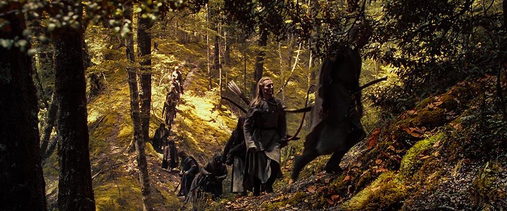 Galadriel Hanım, Elf büyüsü/hüneri sayesinde Lohtlorien Ormanı'nın cazibesini asırlardır yaşatmaktadır