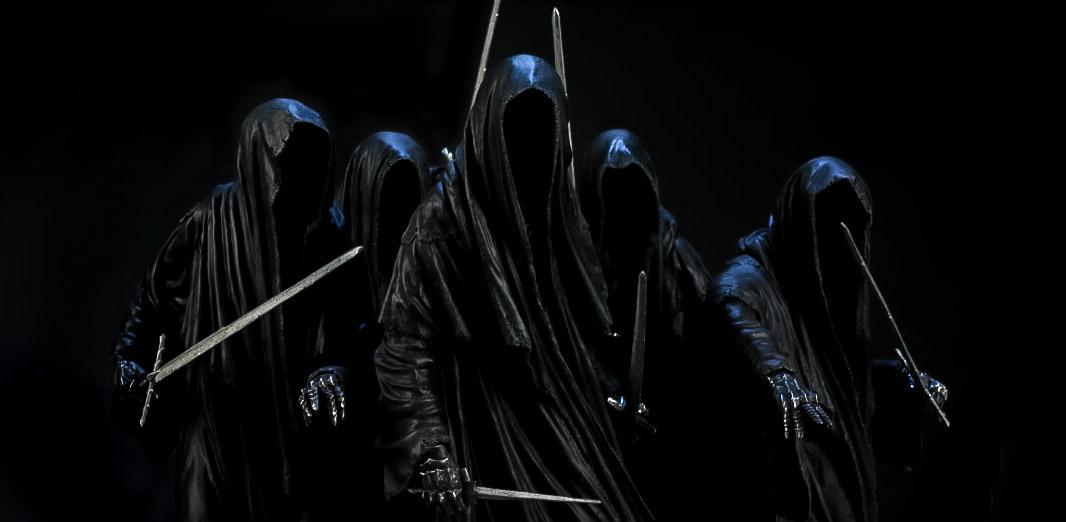 Sauron'dan kabul ettikleri yüzüklerle Karanlığın Hizmetkarlarına dönüşen Yüzük Tayfları