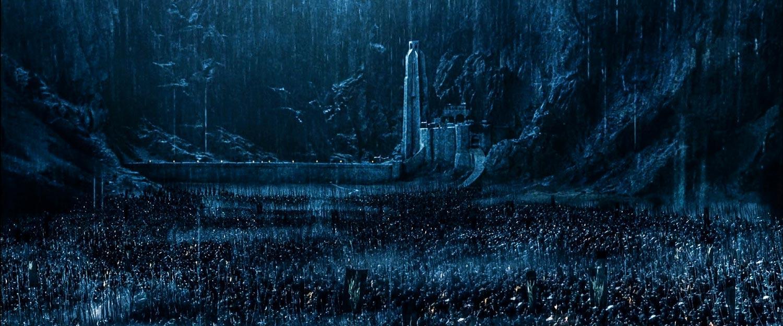 Rohan halkını Miğfer Dibi'nde kuşatan Uruk-Hai ordusu