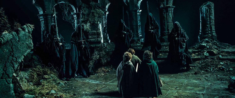 Amon Sûl Tepesi'nde hobbitlerin karşısına çıkan Yüzük Tayfları